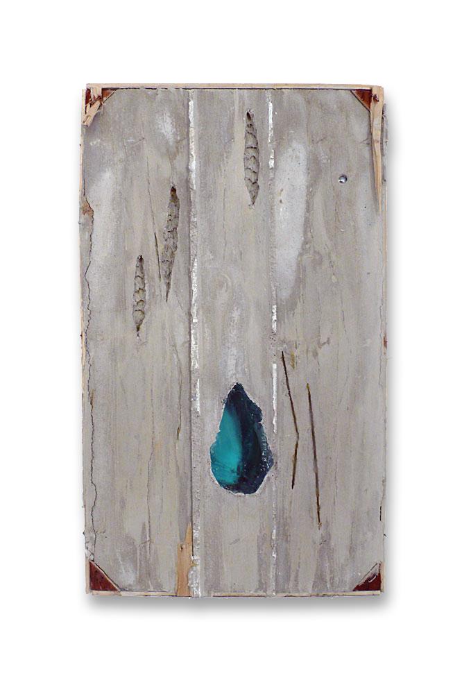 Wasser, Erde, Holz, Luft / 2015 / Beton, Glas, Pigmente / Concrete, glass, pigments / 50 cm x 30 cm x 5 cm / Foto: Anne Lina Billinger