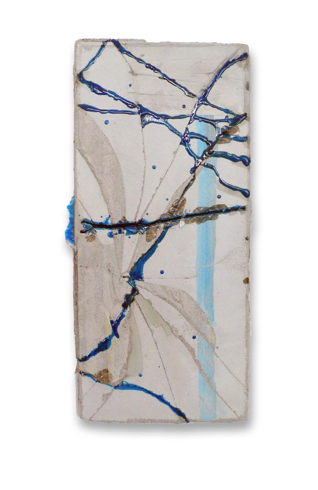 Strassen (blau-blau-Glas) / 2015 / Beton, Polyesterharz, Glas / Concrete, polyester, resin, glass / 67 cm x 33 cm / Foto: Anne Lina Billinger